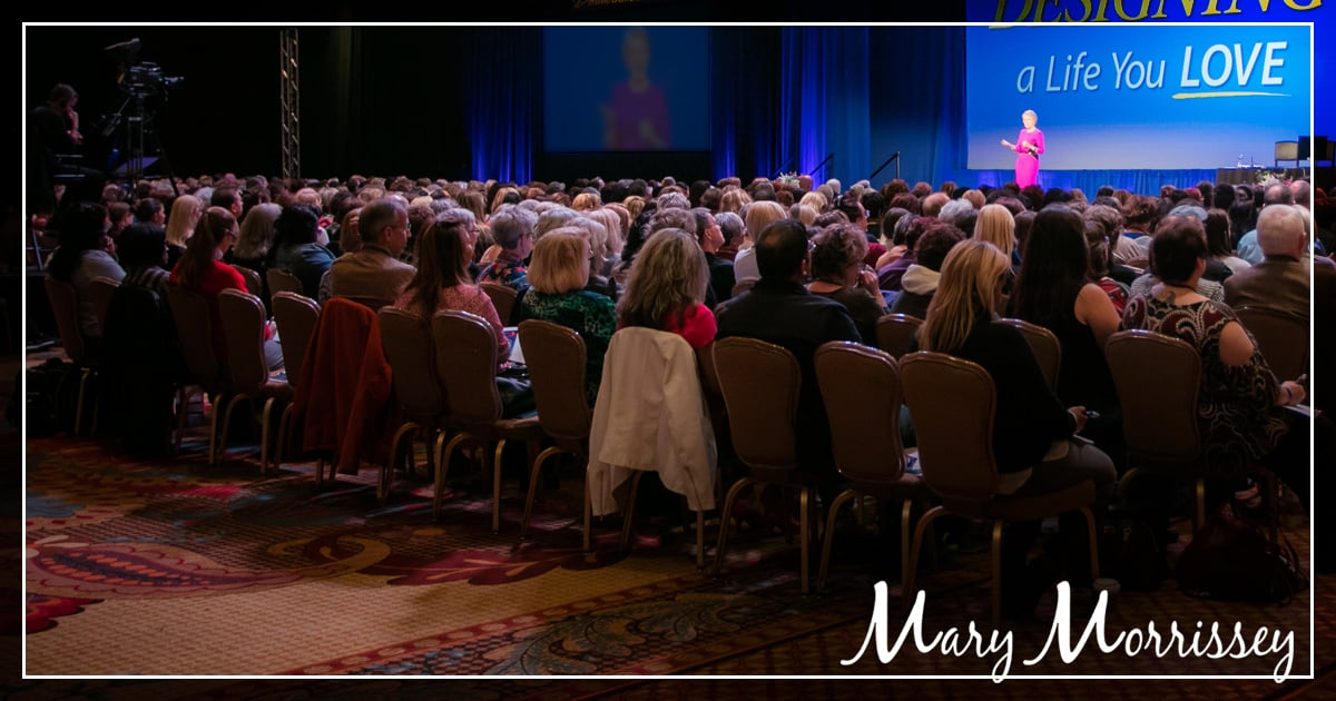 benefits of attending a conference dreambuilder live crowd